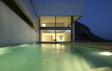 La piscine en b ton coul d 39 achat sur for Piscine beton coule