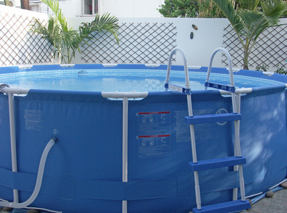La piscine souple structure d 39 achat for Structure piscine